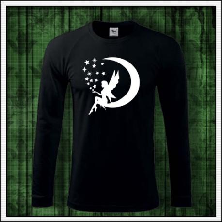 Svietiace tričká Víla sedí na mesiac